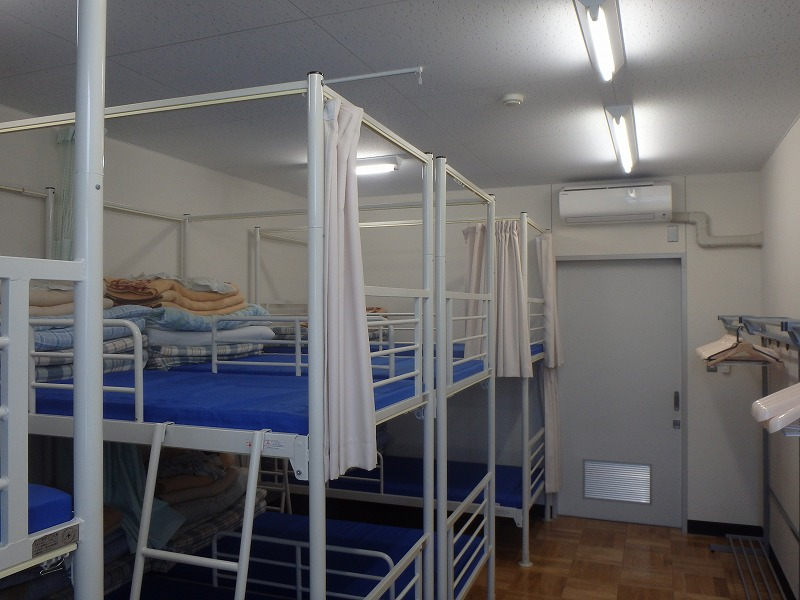 洋室(8人部屋)