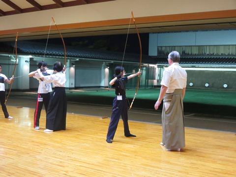 弓道小学生・中学生コースの写真